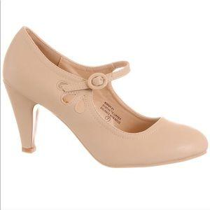 Brand new vintage maryjane heels 👠